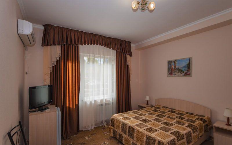 Корп. 2, 3-х местный 1 комнатный 20 кв.м (2хспальная кровать и односпальная кровать)