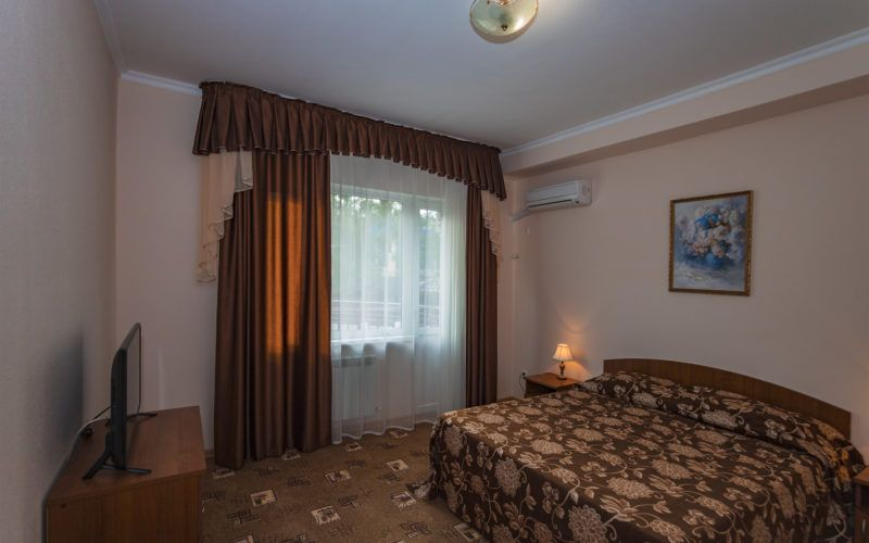 Корп. 2, люкс 2-х комнатный 40 кв.м  на 1 этаже (2-6 чел.)